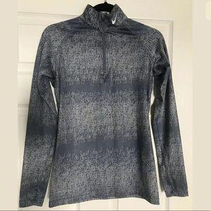 Nike Therma-Fit Top Pullover 1/4 Zip gray medium